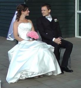 Et lykkeligt brudepar, som endelig fik hinanden