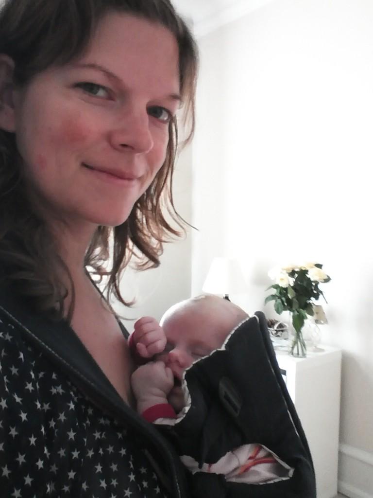 Ida napper i bæreselen