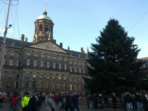 Rådhuspladsen med juletræ
