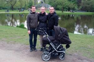 Far, Pernille, Mathias og en sovende Liv