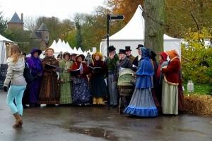 Julekor udklædt i gammeldags tøj