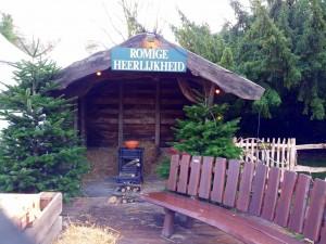 Der var masser af små opvarmede hytter hvor man kunne sætte sig og få en kop kaffe. Hyggeligt!