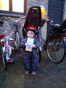Ida foran Mors cykel med det nye cykelsæde