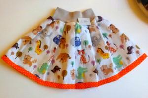 Ny fin nederdel til Ida med dyremotiv. 50,-