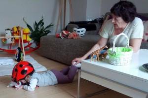 Ida tager en slapper efter hård leg med Farmor :)