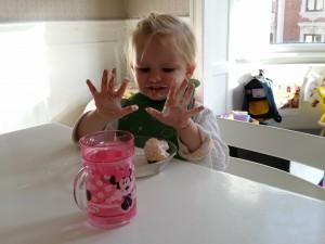 Jane kom med flødeboller i anledningen af Mors fødselsdag :p