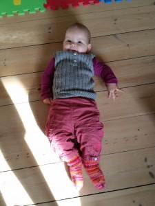 Og når man bliver lagt midt på gulvet så man kan træne motorikken