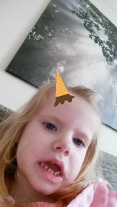 Ida leger med Mors telefon