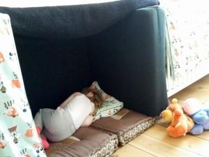 Ida sover lur i hulen