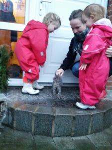 Kattekilling-klapperi med Tante Anne hos Morfar og Grete