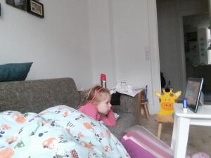 Sygebassen ser tegnefilm