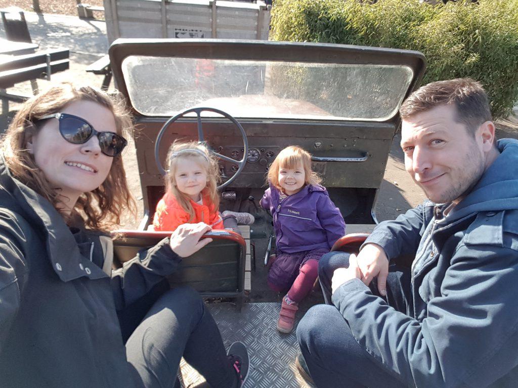 Jeep-kørsel med legeonkel René