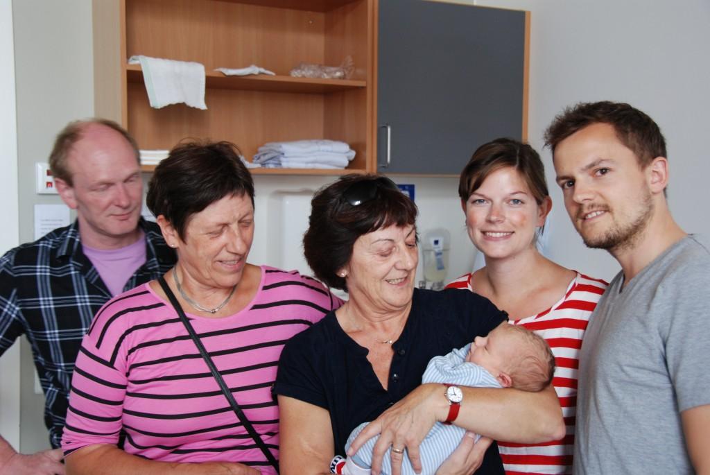 Mormor, Kim, Farmor, Far, Mor og Ida