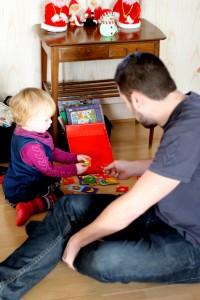 Ida og Onkel René spiller billedlotteri