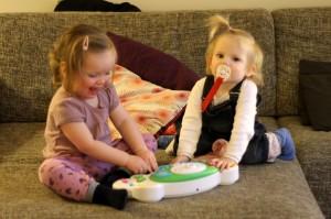 Fællesspil på babyklaveret