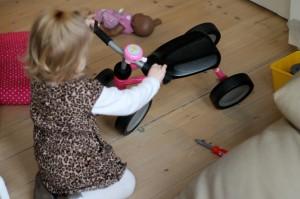 Ida har gang i værktøjskassen så cyklen lige kan blive fikset...
