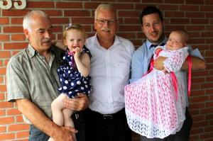 Morfar og Farfar er Mayas faddere mens Onkel René er Gudfar, ligesom han er til Ida