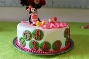 ...kombineret med Idas fødselsdagskage. Selvfølgelig med Minnie :)