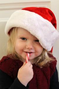 Julenissen Ida, som måtte bestikkes med en slikkepind for at få nissehuen på <I:)