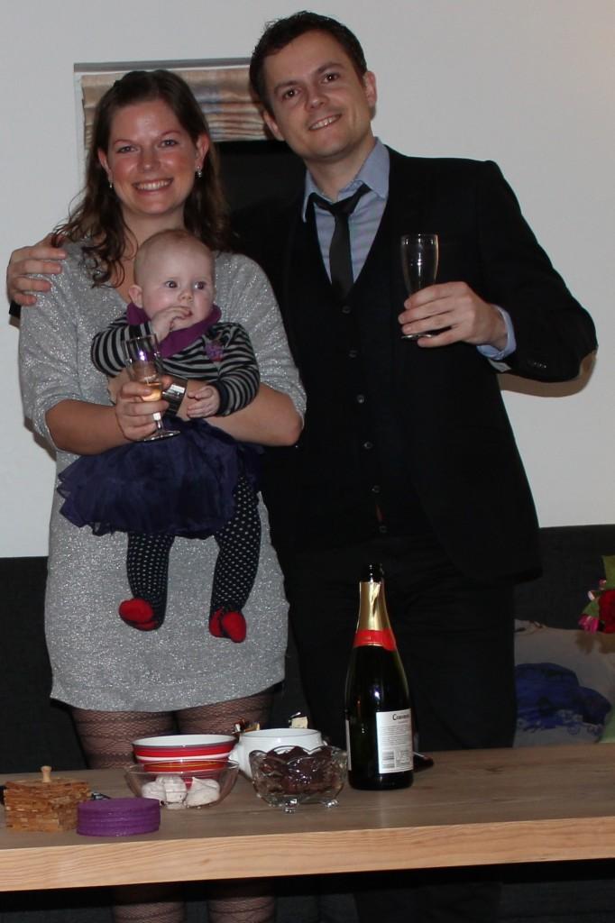 Godt nytår fra familien Helgren-Nielsen / Gade Helgren / Pedersen!